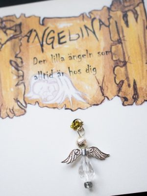 angelina-300x400